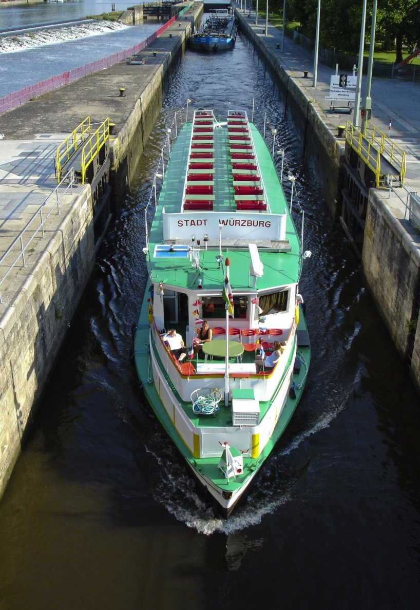 Ship going through the Wurzburg locks