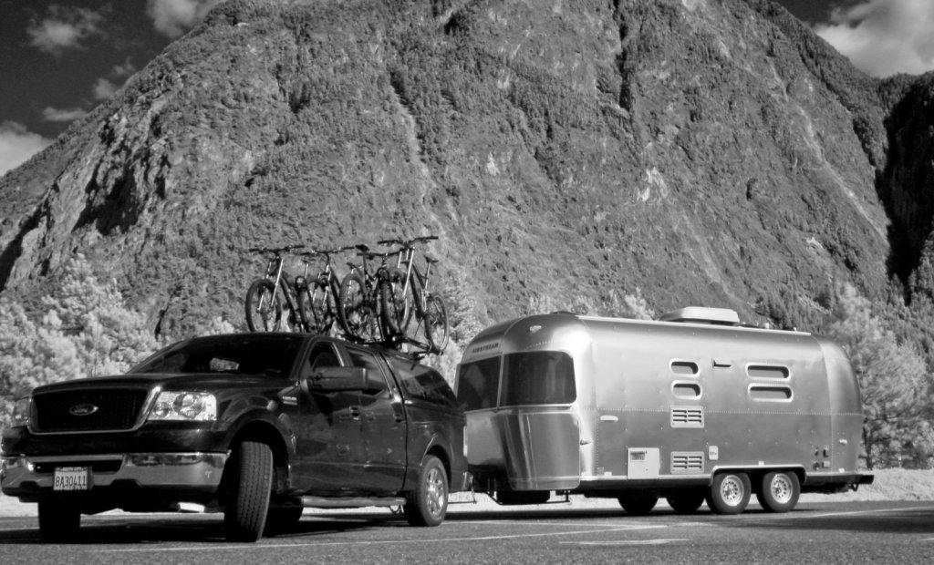 Near IR shot of the truck and trailer