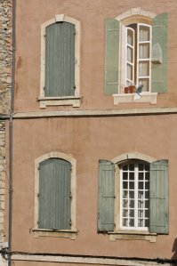 3 windows and a mural in Arles