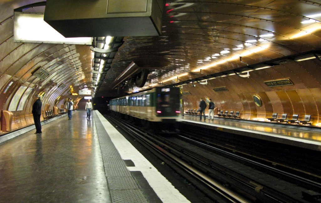 Paris Metro, Arts et Metiers Station