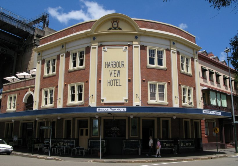 Typical Australian pub/hotel in The Rocks