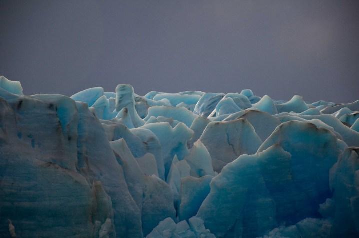Blue ice of Glaciar Grey