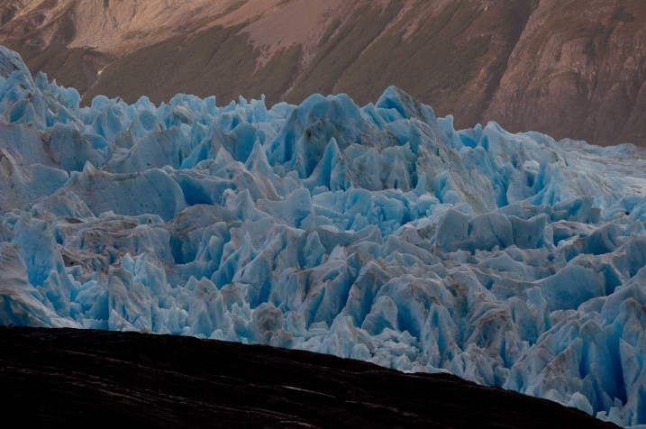 The eastern tongue of Glaciar Grey