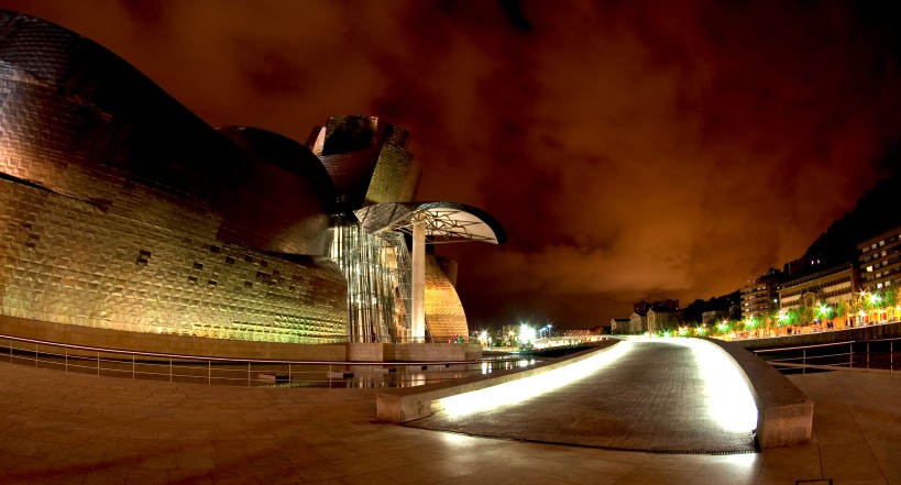The Guggenheim in Bliboa at night (HDR)