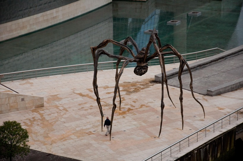 Mamman by Louise Bourgeois in front of the Guggenhein in Bilbao