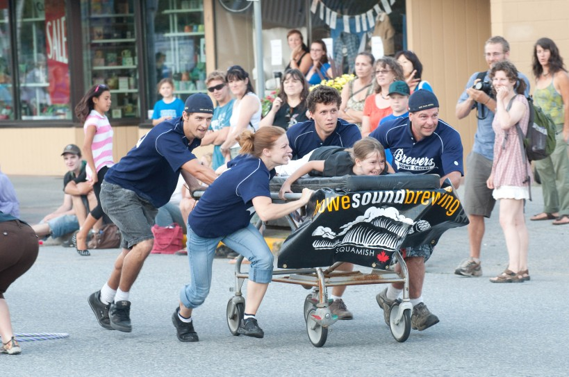 Bed Race contestants