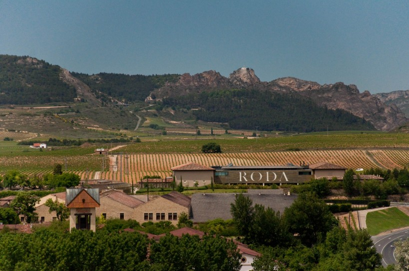 The Roda bodega viewed from Haro