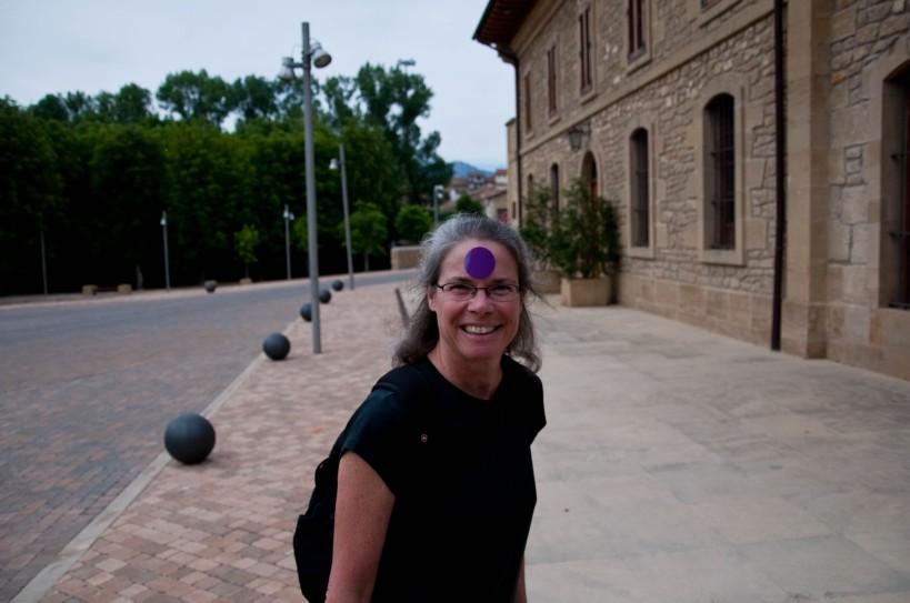 A purple dot tourist