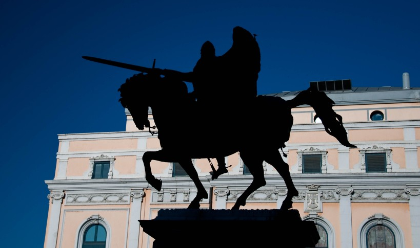 A statue of El Cid in Burgos