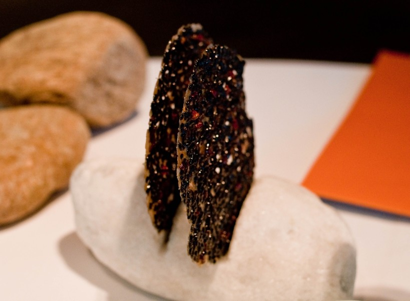 Black sesame cracker from El Celler de Can Roca