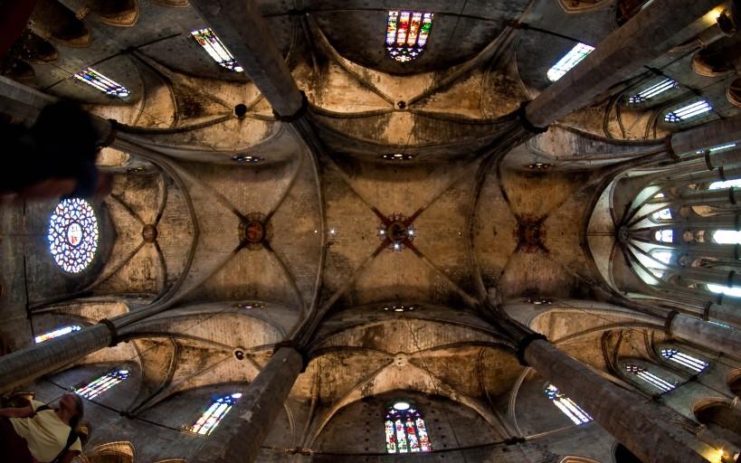 The ceiling of Santa María del Mar in Barcelona