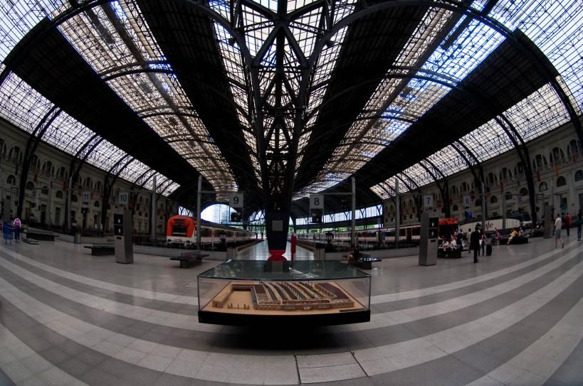 Inside Estacio Terme o de Franca