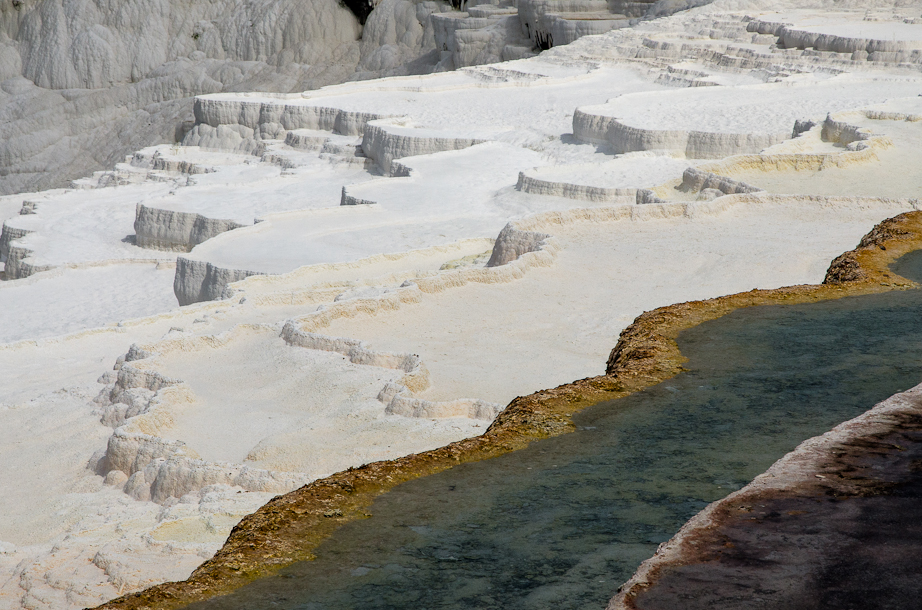 Colors on Pamukkale's geothermal terrace