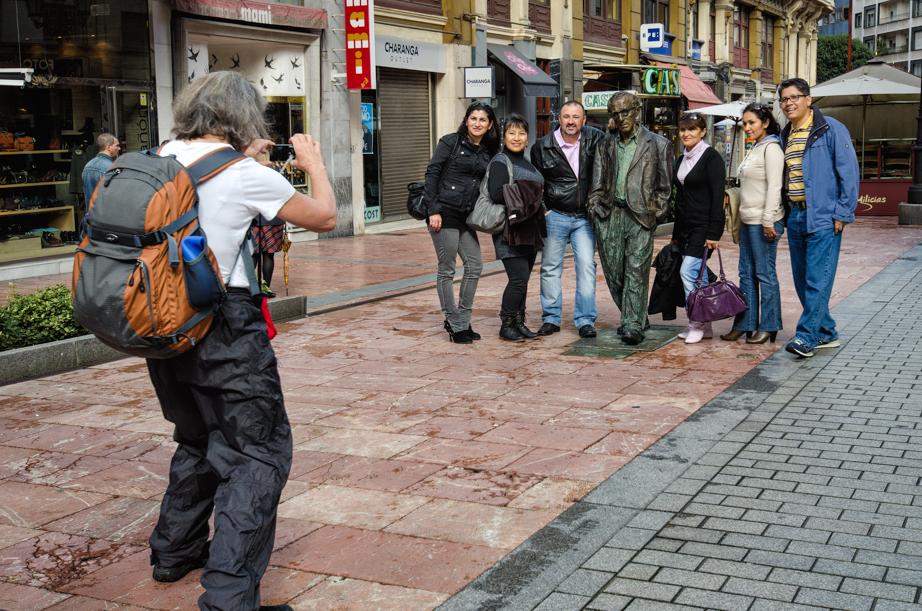 Spanish tourist pose with Woody