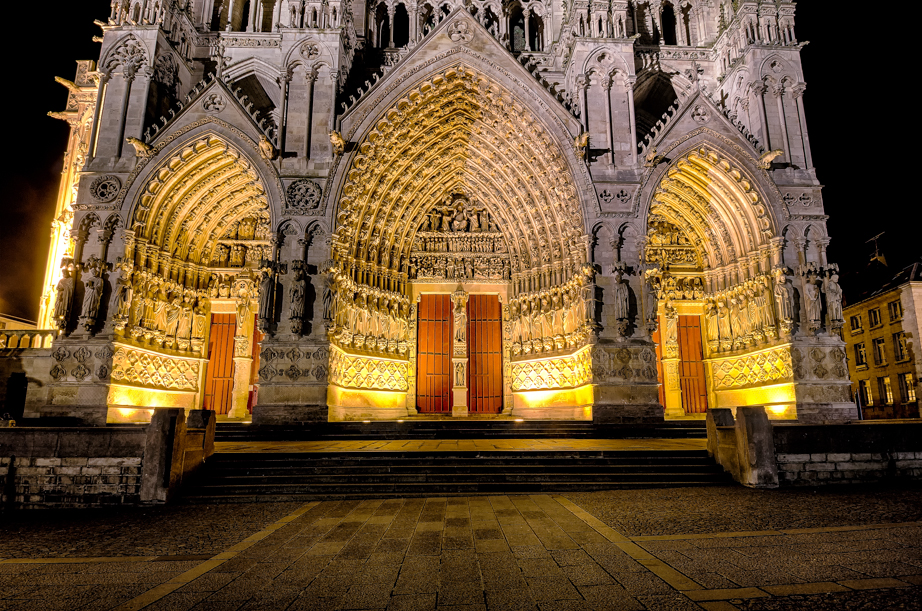 Doors of Amiens' Cathedral at night