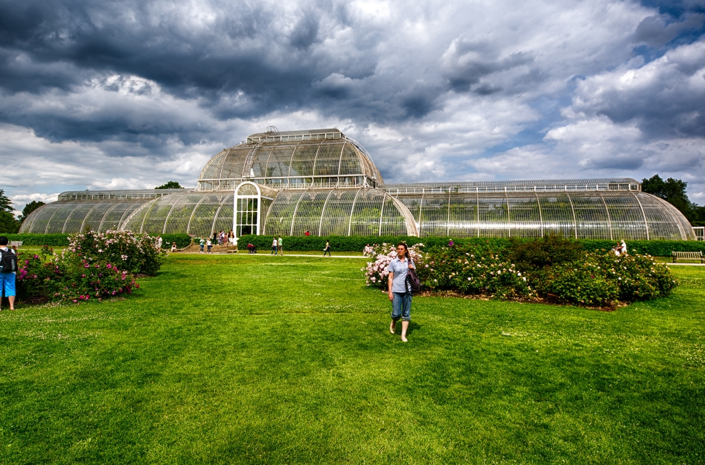 Built between 1844 and 1848 of wrought iron and glass, the Palm House is Kew Garden's most iconic structure