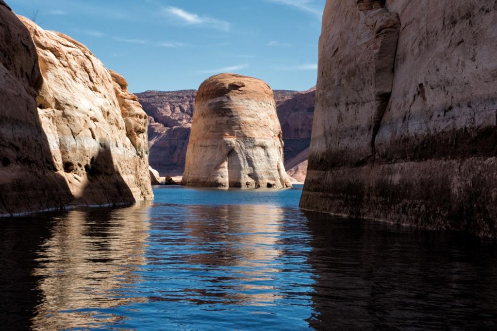 A cylindrical sandstone island inside Navajo Canyon