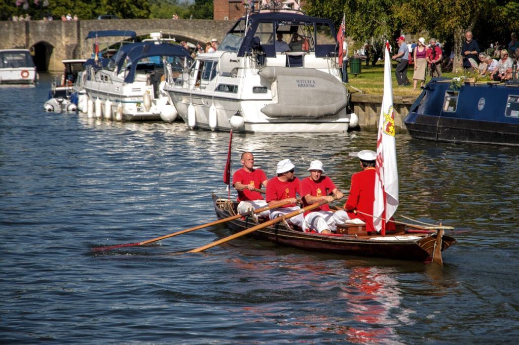 Swan Uppers rowing hard in Abingdon to reach their finish line