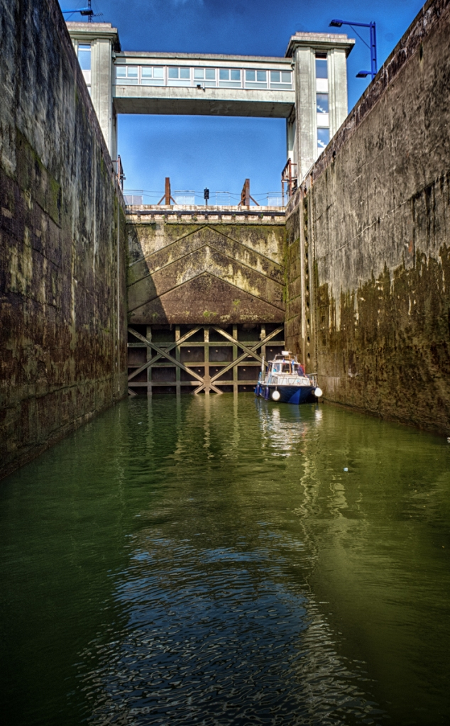 Inside the mostly empty lock