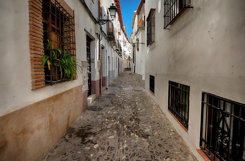 A narrow lane inside the Albayzín.