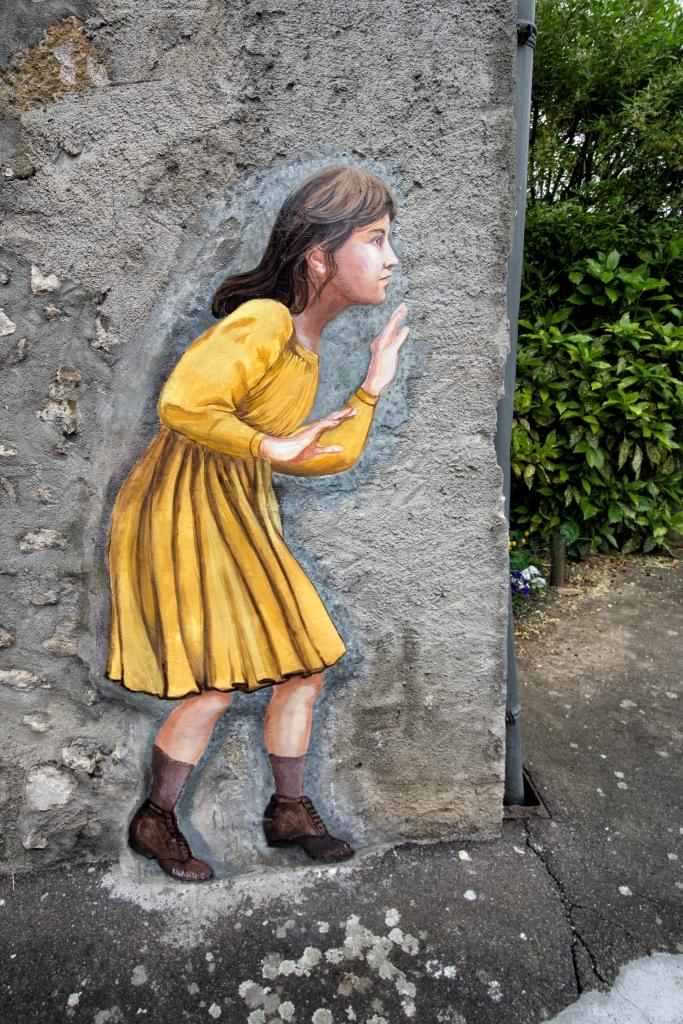 """La Petite Fille a la Robe Verte"""