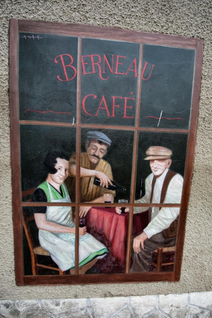 """""""Cafe Berneau"""""""