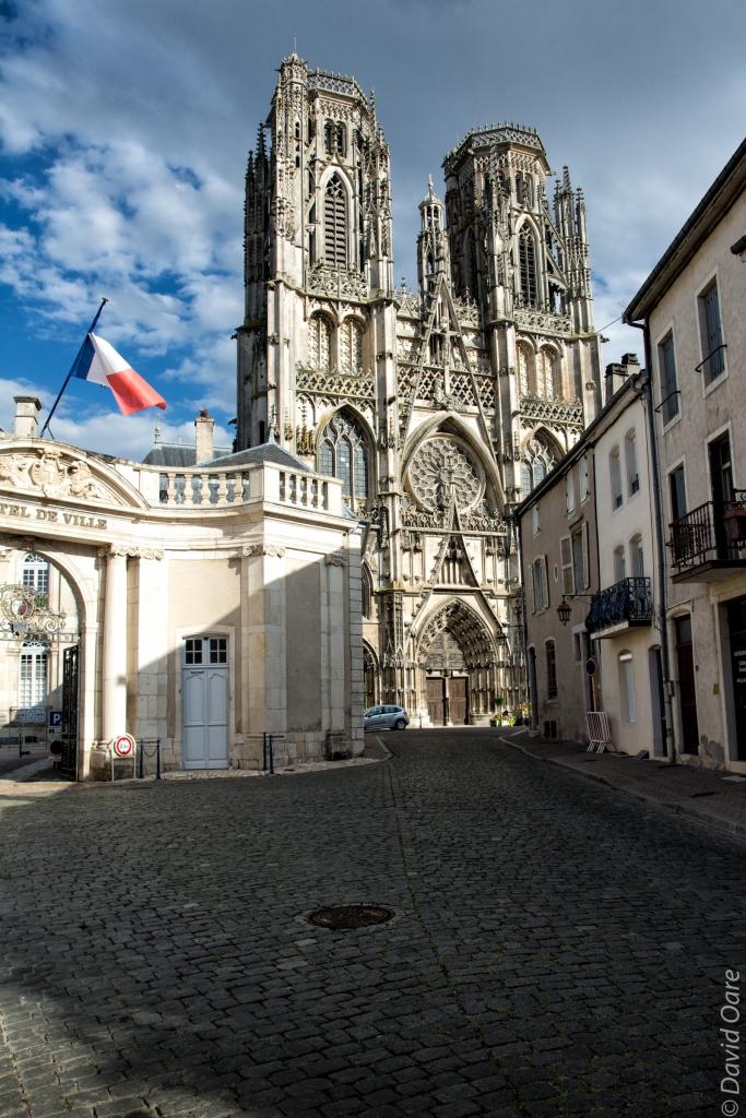 Toul's cathedral is near the hôtel de ville.